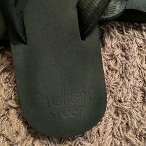 Reef cushion flip flops